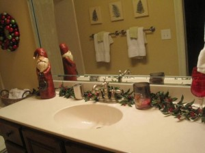christmas-bathroom-flowers